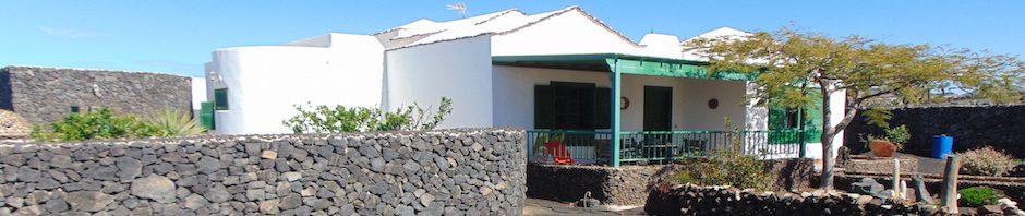Stile canario villa con piscina a Yaiza-2