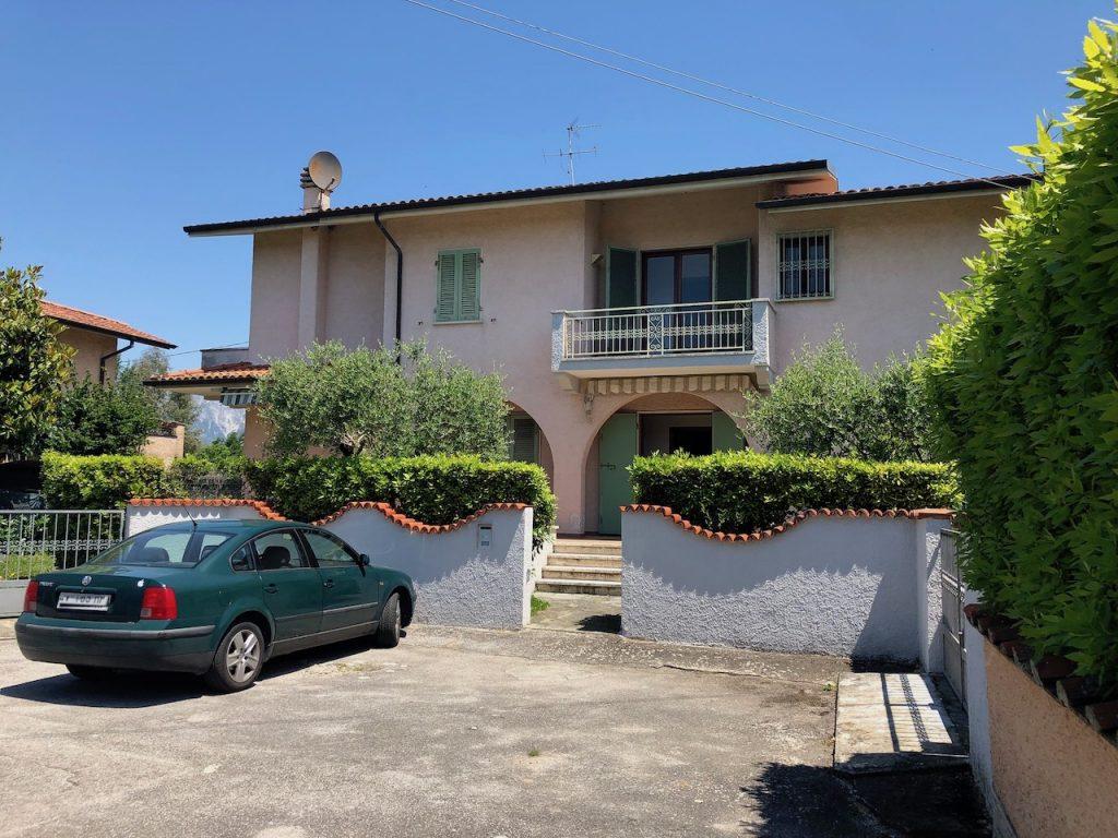 Marina di Pietrasanta Loc. Fiumetto Villa in vendita