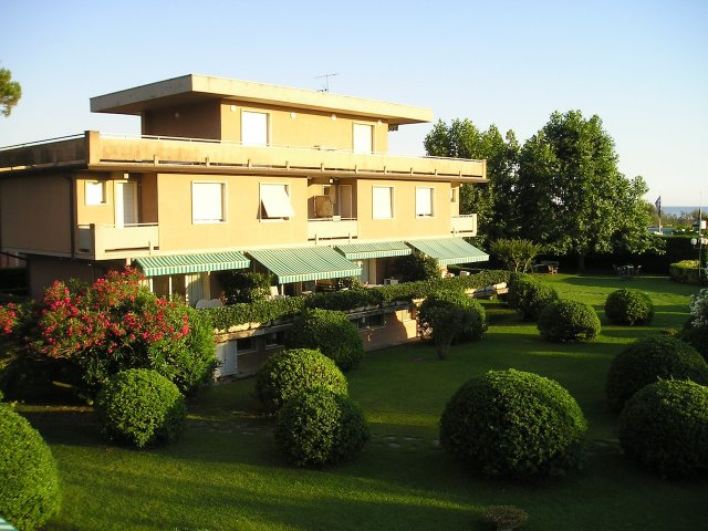 case vacanze cinquale affitto appartamento tre camere piscina