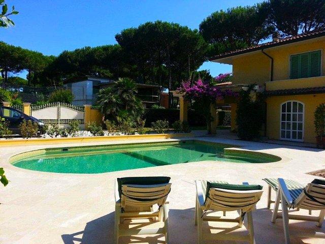 Affitti vacanze versilia forte dei marmi villa con piscina - Villa dei sogni piscina ...